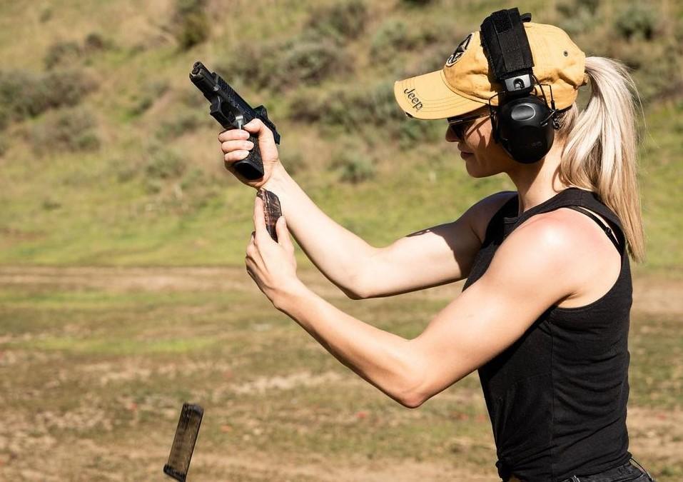 Athena Perample Shooting Skills - Stunt Gunner